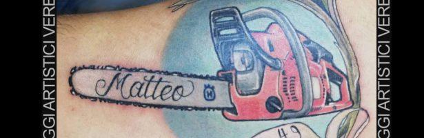 Tattoo traditional color, la motosega