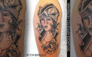 La zingara, tatuaggio sul braccio realizzato da Victor Bertelletti