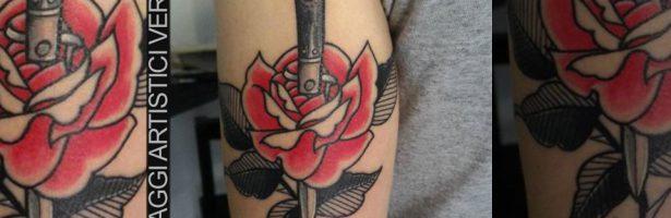Un coltello nella rosa, composizione traditional