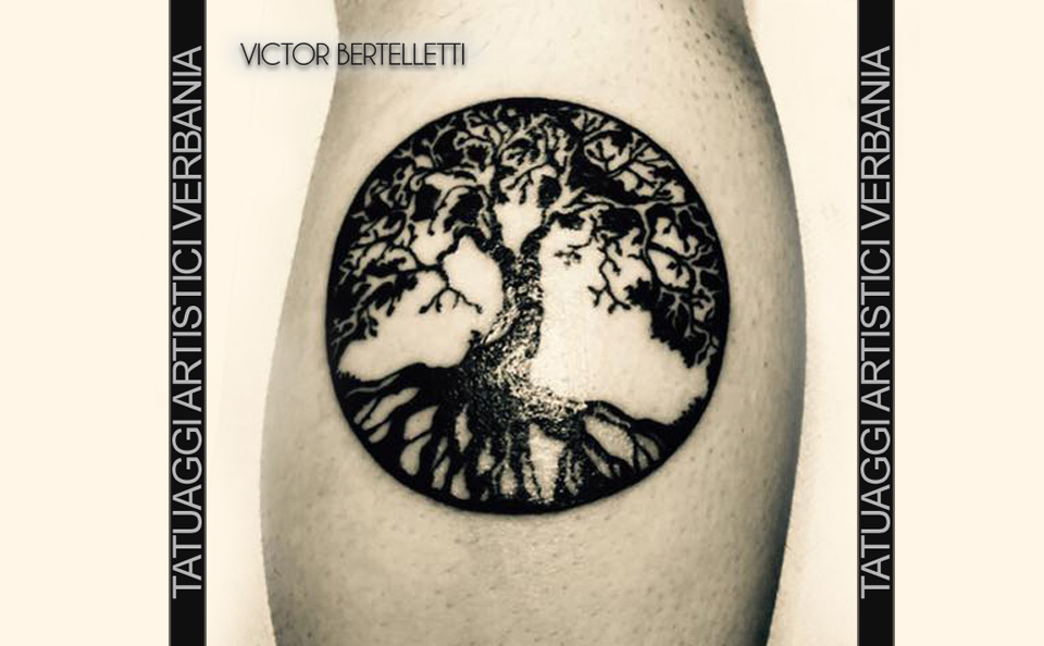 L'albero della vita, Tatuaggio stilizzato realizzato da Victor Bertelletti