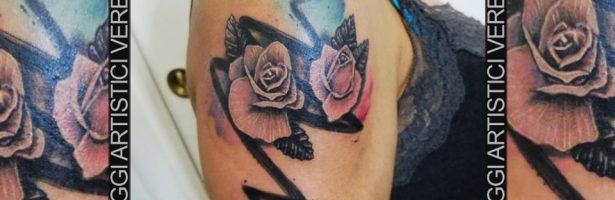 Tatuaggio realistico watercolor, le rose