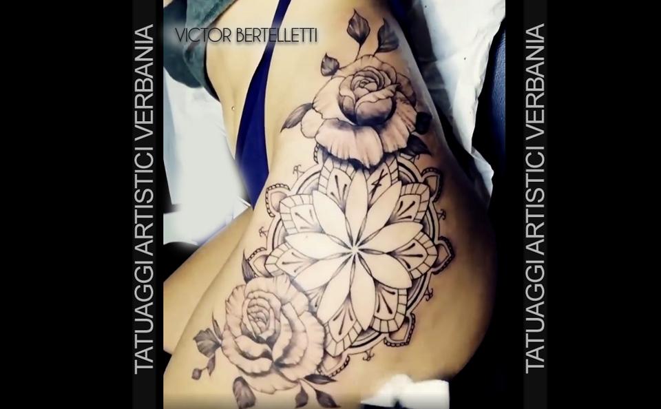 Sketch style decorativo, mandale e rose. Tatuaggio realizzato da Victor Bertelletti