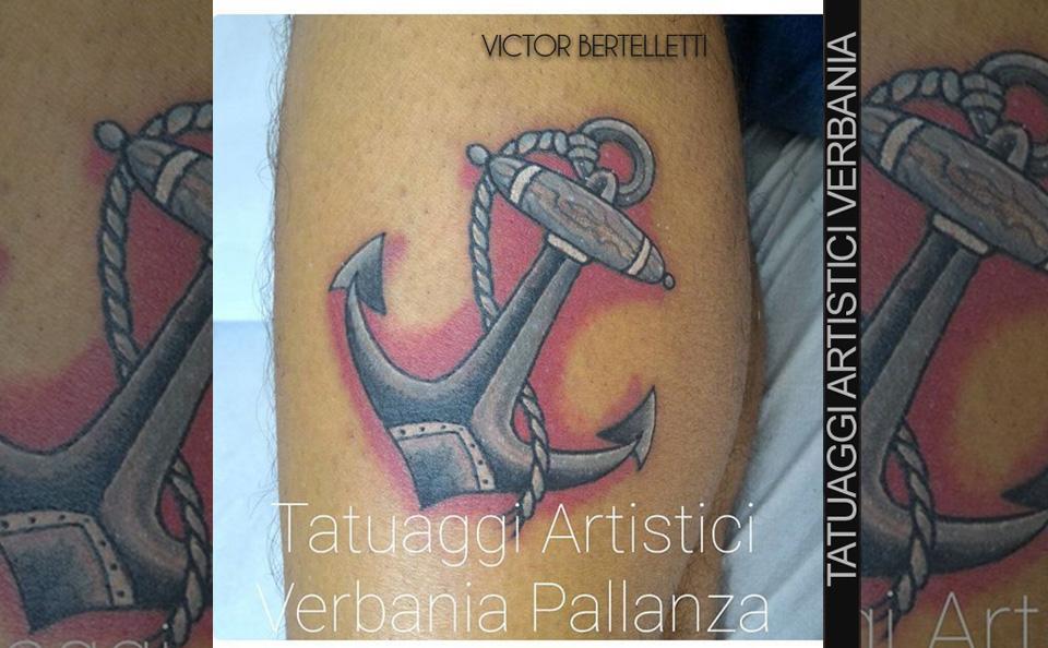 Ancora a colori, tatuaggio tradizionale classico realizzato da Victor Bertelletti