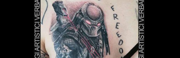 Predator, tatuaggio realistico black and grey