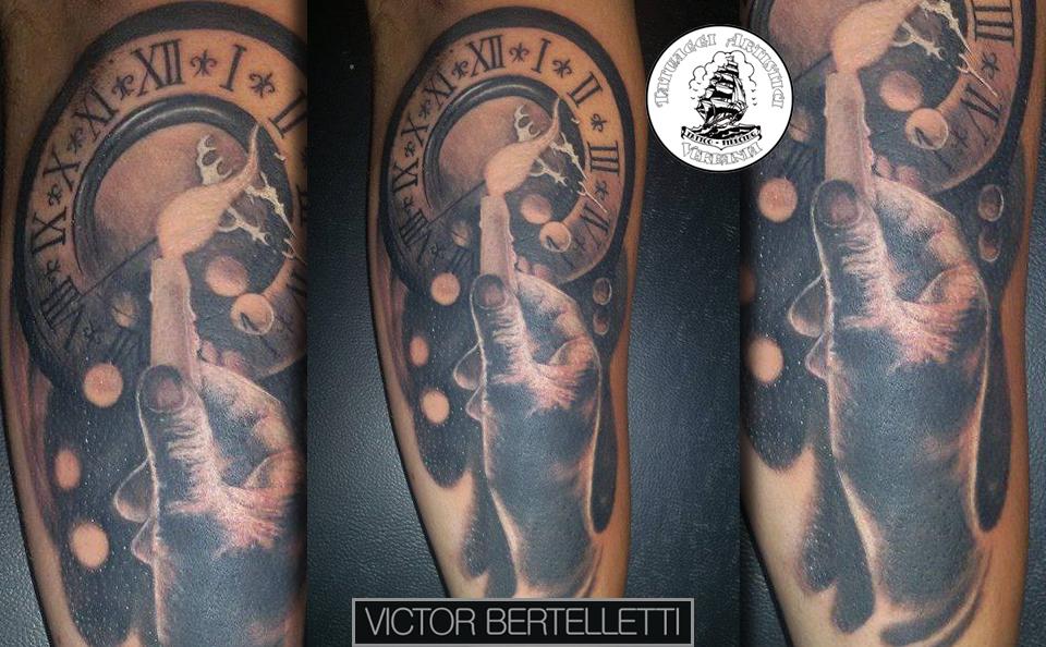 Favoloso Orologio e mano, tatuaggio realistico ~ Victor Bertelletti IN08
