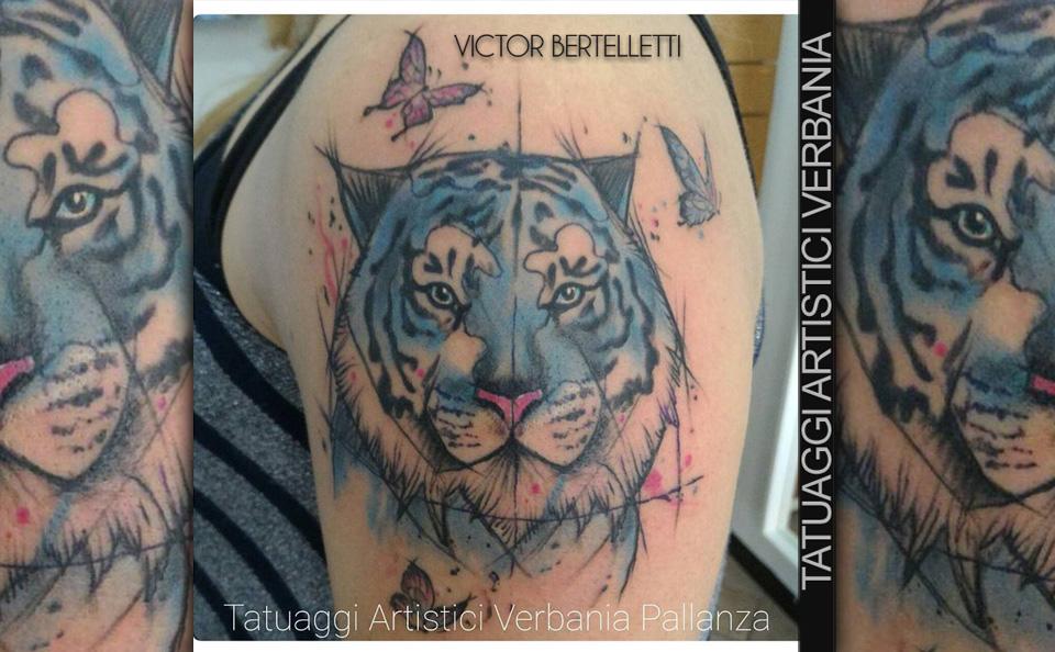 Tigre Sketch: Tigre In Tatuaggio Watercolor & Sketch Style